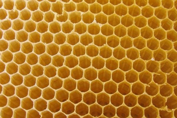 蜂蜜结晶了是变质吗?解析液体蜂蜜与结晶蜂蜜区别